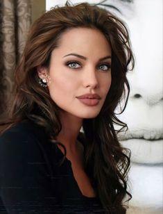 Most Beautiful Faces, Beautiful Celebrities, Beautiful Eyes, Beautiful Actresses, Angelina Jolie Body, Angelina Jolie Pictures, Angelina Jolie Photoshoot, Belle Silhouette, Brunette Beauty