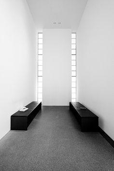 Pinakothek der Moderne, black & white - Munich, Germany | interior design. Innenarchitektur . design d'intérieur | Design: deviantart |
