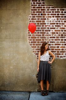 Girl with the red baloon