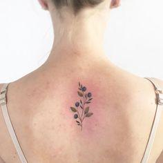 "Polubienia: 397, komentarze: 6 – tattoo artist Warsaw, Poland (@mongotattoo) na Instagramie: ""blueberries #tattoo #tattoos #tattooart #blueberry #blueberrytattoo #blueberries #blueberriestattoo…"""