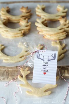 No fail cut out cookie recipe will NOT spread when you bake. Your cookies will turn out beautiful and in the shape you desire every time. Click pic for recipe and free printable.