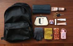 バッグのブランドと、中身のテーマを教えてください