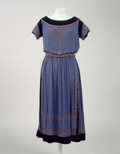 Dress, Jeanne Lanvin, 1920. Musée Galleira de la Mode de la Ville de Paris.