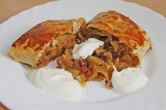 Burgenland herb strudel with cream from msdeluxe Food Dishes, Main Dishes, Austrian Recipes, Austrian Food, Can I Eat, Savoury Baking, Vegan Breakfast Recipes, Main Meals, Soul Food