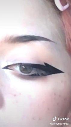 Eyeliner Looks, Smudged Eyeliner, No Eyeliner Makeup, Emo Eyeliner, Eyeliner For Hooded Eyes, Eyeshadow, Emo Makeup, Anime Makeup, Girls Makeup