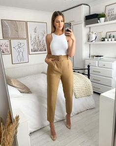 Playing dress up 🕊 Business Casual Outfits, Professional Outfits, Cute Casual Outfits, Office Outfits, Chic Outfits, Fashion Outfits, Zara Bodysuit, Semi Formal Outfits, Zara Trousers