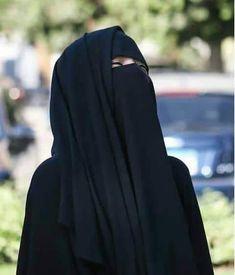 Hijab Niqab, Muslim Hijab, Beautiful Muslim Women, Beautiful Hijab, Hijabi Girl, Girl Hijab, Muslim Girls Photos, Stylish Hijab, Stylish Girl