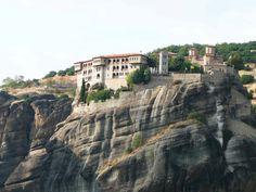 KALAMBACA - Fotografía: Justo Palma Mykonos, Santorini, Albania, Dubrovnik, Mansions, House Styles, Greek Isles, Croatia, Athens