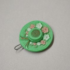 Vintage Set of 1950s Molded Celluloid Daisy and Clover Spiral Bobby Pin Barrets