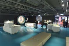 In der Station Volkstheater haben die Wiener Linien ein großes Infocenter zur neuen U-Bahnlinie 5 eingerichtet. Auf 700 Quadratmetern können sich Interessierte ein Bild von einem begehbaren Modell einer U5-Station und den geplanten Glaswänden für den fahrerlosen Betrieb machen.