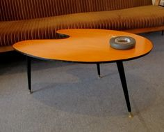 Great shape 60s table