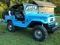 """Logan's Run 2013 Uwharrie National Forest,  Badin Lake - Olde North State Cruisers - Mejane, my 1974 FJ 40 - recently painted with Rustoleum Professional Enamel color Safety Blue...32x9.5x15s Super Swampers  Hell Creek 2"""" springs-4 speed 2F...yep its a rattle can.."""