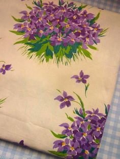Beautiful 1950s French Pretty Violets Fabric