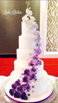 Hochzeit lila Kuchen Desserts Ideen – Wedding Ideas ❤❤ - New Site Purple Cakes, Purple Wedding Cakes, Beautiful Wedding Cakes, Beautiful Cakes, Amazing Cakes, Wedding Colors, Dream Wedding, Wedding Flowers, Orchid Wedding Cake