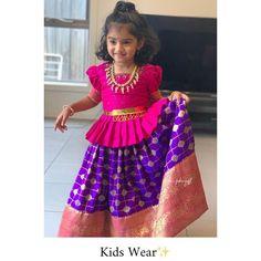 Kids Wear✨ Customized as per Age Kids Party Wear Dresses, Kids Dress Wear, Kids Gown, Dresses Kids Girl, Kids Wear, Girls Frock Design, Kids Frocks Design, Baby Frocks Designs, Baby Dress Design