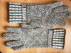 Ravelry: tomofholland's Sanquhar Gloves