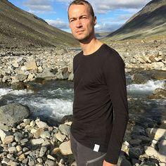 We want to #treat you with yet another photo from Henrik&Henrik's trip to #Sarek, the last #wilderness in #Scandinavia. . . . #LOOWcph #DanishModern #DanishDesign #MadeinDenmark #NordicFashion #Nordic #Scandinavia #Merino #merinowool #wool #menswear #highquality #highperforming #sportswear #activewear #knitwear #trekking #hiking #Sweden #glacier #travels #explorer