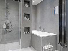 Complete badkamer beton look! Bathroom Toilets, Bathrooms, Bathroom Interior, Home Deco, Sweet Home, New Homes, Bathtub, Loft, Interior Design