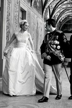Grace Kelly in Helen Rose