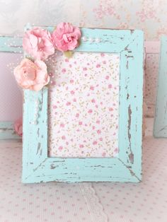 Shabby Chic home decor transformation reference 5238156410 to design for a delightfully smashing, comfortable decor. Please jump to the web link right now for further ideas. Romantic Shabby Chic, Shabby Chic Photo Frames, Vintage Shabby Chic, Vintage Diy, Muebles Shabby Chic, Estilo Shabby Chic, Shabby Chic Style, Shabby Chic Bedrooms, Shabby Chic Homes