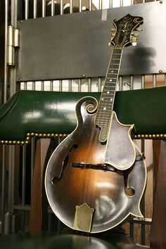 Lloyd Loar Gibson mandolin -I've played on of these...SO COOL!