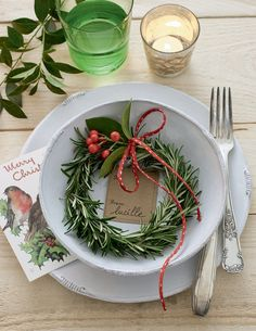 DIY Noël: mini-couronnes de romarin - Marie Claire Idées