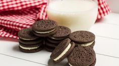 Kuvituskuva. Oreo-keksit ja kylmä maito ovat täydellinen yhdistelmä. Copyright: Shutterstock.