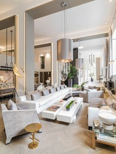 See more of Kelly Hoppen Interiors 's London on 1stdibs