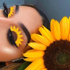 🌻SUNFLOWER🌻 TAG & someone who loves sunflowers! Crazy Eye Makeup, Makeup Eye Looks, Creative Makeup Looks, Eye Makeup Art, Pretty Makeup, Eyeshadow Makeup, Eyeshadow Ideas, Eyeshadow Primer, Diy Makeup