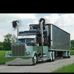 Love the Big Rigs! Big Rig Trucks, Heavy Duty Trucks, Show Trucks, Dump Trucks, Heavy Truck, Peterbilt 379, Peterbilt Trucks, Custom Big Rigs, Custom Trucks