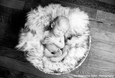 Baby Posing: Knowing What to Look for in a Newborn Photographer
