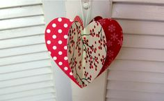 Fun heart to mail to a loved one or to decorate your home with. Easy project for kids too! A great gift or Christmas ornament also. Great party decorations o...