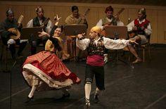 Dancers in Aragonese popular dress   ... dancing La Jota Aragonesa ...