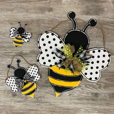 Fun Crafts For Kids, Summer Crafts, Bee Crafts, Arts And Crafts, Gift Crafts, Jute, Small Bees, Wooden Cutouts, Bee Art