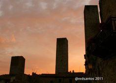 San Gimignano (2011) Willis Tower, Italy, Building, Travel, Saints, Italia, Viajes, Buildings, Trips
