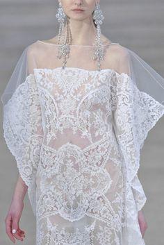 White Lace (Zsa Zsa Bellagio)
