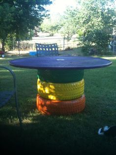 Diy garden table old tires Ideas Tire Furniture, Garden Furniture, Automotive Furniture, Automotive Decor, Recycled Furniture, Handmade Furniture, Furniture Design, Outdoor Projects, Garden Projects