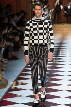 Dolce & Gabbana Spring 2017 Menswear Fashion Show - Max Snippe