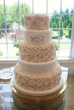 amazing wedding cakes pictures   Buttercream roses - Amazing Wedding Cakes and Sculpted