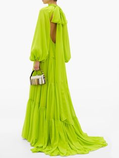 Maxi Gowns, Chiffon Gown, Colourful Outfits, Colorful Fashion, African Fashion Dresses, Fashion Outfits, Chic Outfits, Fashion Silhouette, Green Gown