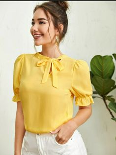 African Attire, Chiffon Fabric, Nice Tops, Dress Patterns, Types Of Sleeves, Shirt Blouses, Blouses For Women, Ruffle Blouse, Outfits