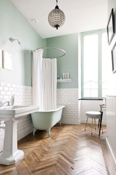 Adorable 80 Small Apartment Bathroom Remodel Ideas https://roomodeling.com/80-small-apartment-bathroom-remodel-ideas