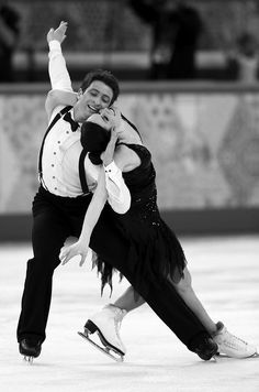 Reigning Olympic Champions and 2 Time World Champion Ice Dancers Tessa Virtue and Scott Moir of Canada Perform the Short Dance, at Sochi 2014 Olympic Games. Virtue And Moir, Tessa Virtue Scott Moir, Winter Olympics 2014, Usa Olympics, Tessa And Scott, Ice Girls, Team Events, Dance Shorts, Ice Skaters