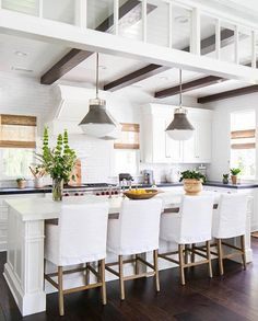 To improve the interior of your home, you may want to consider doing a kitchen remodeling project. This is the room in your home where the family tends to spend the most time together. If you have not upgraded your kitchen since you purchased the home,. New Kitchen, Kitchen Dining, Kitchen Decor, Kitchen Ideas, Awesome Kitchen, Large Kitchen Island, Kitchen Cabinets, Space Kitchen, Kitchen Black