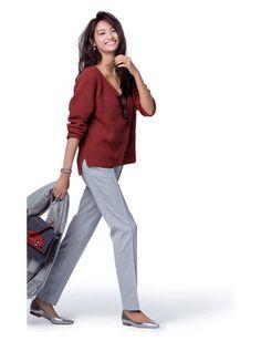 今気分な旬カラーの着こなしルールテラコッタアイスグレーは今季いちばんの洗練配色