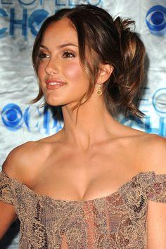 Minka Kelly Bra Size  on actressbrasize.com  http://actressbrasize.com/2013/11/25/minka-kelly-bra-size-body-measurements/