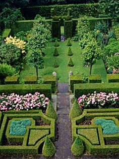 1000 images about formal garden room on pinterest for Formal english garden designs