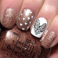 Light gold & pinkish gold sparkle nail combination with a white accent nail & heart nail art Glam Nails, Fancy Nails, Cute Nails, Pretty Nails, Glitter Nails, Latest Nail Designs, Simple Nail Designs, Nail Art Designs, Fabulous Nails