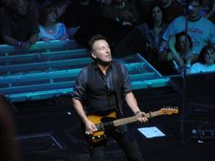 Bruce Springsteen live in concert, Cleveland, Ohio 4/17/12