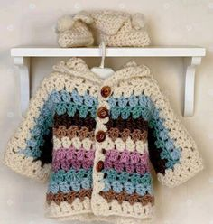 Crochet jacket and booties in Eskimo and knitted blanket Free crochet pattern by DROPS Design. Gilet Crochet, Crochet Diy, Crochet Gratis, Crochet Jacket, Love Crochet, Crochet For Kids, Crochet Jumper, Crochet Baby Sweaters, Crochet Baby Clothes
